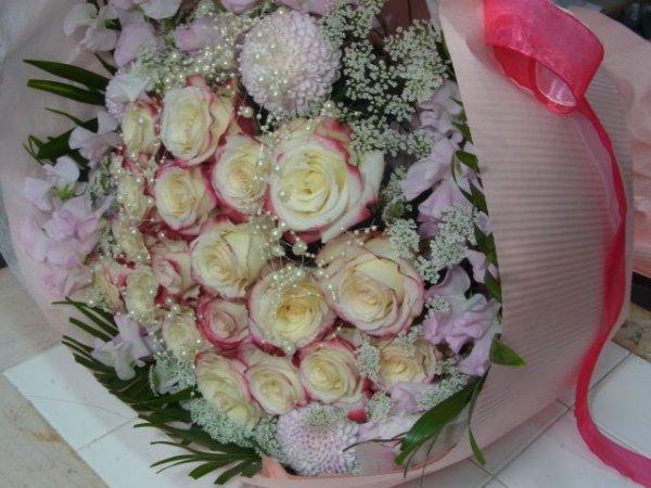画像1: バラ お任せ 花束【予算15000円】 (1)
