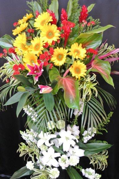 画像1: スタンド花 季節のお花お任せ 2段【予算20000円】黄色/白 (1)
